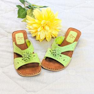 LifeStride Lime Green sandals Floral Sz 7